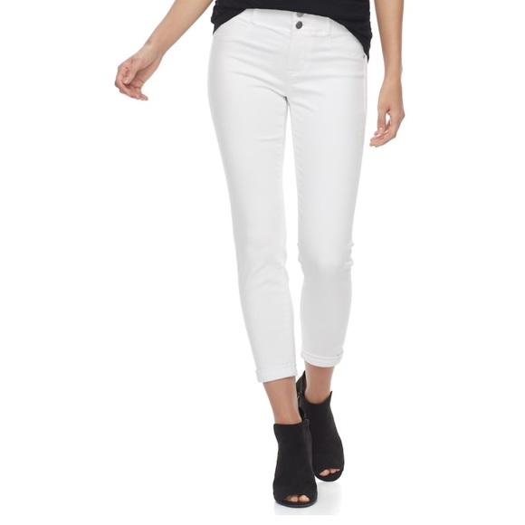 a4233e32275 Plus Size APT. 9 Tummy Control Mid-Rise Capri Jean